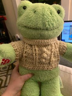 Cute Stuffed Animals, Cute Animals, Mode Pastel, Frog Pictures, Frog And Toad, Frog Frog, Cute Frogs, Green Frog, Cute Plush