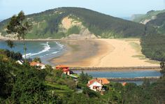 Playa de Rodiles #Villaviciosa #playa #beach #Asturias #ParaísoNatural #NaturalParadise #Spain Costa, Asturian, Paraiso Natural, Reserva Natural, Places Of Interest, Places To See, Surfing, Spain, Country Roads