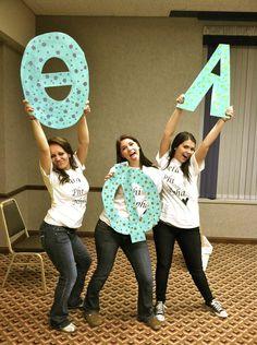 ΘΦA ❀ My Beta-Lambda Chapter sisters! Bid Day 2011 !! Found this on here! :) My chapter! :)