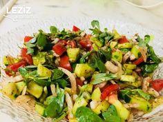 Purslane salad (with great sauce) Dessert Recipes, Desserts, Kung Pao Chicken, Cobb Salad, Salads, Pasta, Food And Drink, Ethnic Recipes, Salad Sauce