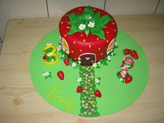 Strawberry Shortcake Cake - Meu Mundo Strawberry Shortcake Birthday, Desserts, Food, Strawberry Shortcake Party, Tailgate Desserts, Deserts, Essen, Postres, Meals