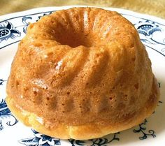 POUND CAKE -just like Grandmas - with liquid Splenda  3g Net Carbs See all of Linda's *Notes for variations - wonderful recipe!