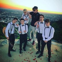 DIRECTOR LOGAN IN THE HOUSE! Last week I stretched my directing muscles & got to direct a music video for this band called @WhyDontWeMusic ... some incredibly talented dudes who caught my attention & are about to change the game with their gold-coated vocal cords    Go watch the music video for their song