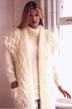 Fluffy Sweater, Angora Sweater, Sweater Coats, Wool Cardigan, Sweater Outfits, Wool Sweaters, Sweater Layering, Knit Dress, Knitwear