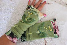 Bud Green gloves, Green Women's arm warmer, Long fleece gloves, Valentine's day gift, Design applique gloves, Recycle, Unique Gloves Wedding List, Diy Wedding, Dream Wedding, Handmade Fabric Bags, Handmade Gifts, Valentine Day Gifts, Valentines, Green Gloves, Applique