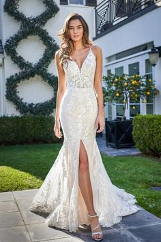 F221058 Sexy Rustic Slim Gown with Front Slit and Diamond Shape Back Slit Wedding Dress, Lace Mermaid Wedding Dress, Mermaid Dresses, Dream Wedding Dresses, Bridal Dresses, Girls Dresses, Flower Girl Dresses, Rustic Wedding Gowns, Wedding Bride