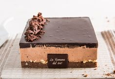 Cioccocake: a creamy cocoa sponge cake and bacio semifreddo hold a chocolate and hazelnut heart. Fresh Cream, Sponge Cake, Pastries, Cocoa, Iphone, Heart, Ethnic Recipes, Biscuit Cake, Tarts