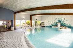 Brittany, the nice sea wind, the beach... But also the thalassotherapy! Come and stay at the Ibis Quiberon Thalassa for a nice and relaxing time. #France #Sea #Spa