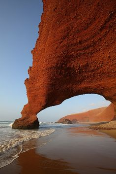 Legzira Beach, Morocco | par Rowan Castle