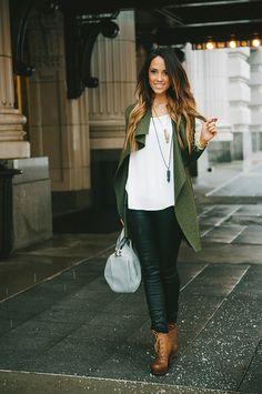 Steal my look | White tee, leather leggings, green cardigan ombré hair oversize handbag