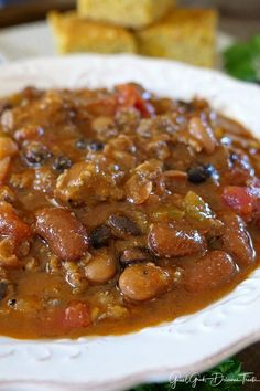 Italian Sausage Chili is a good ol' bowl of comfort and one of the best chili recipes ever. Chili Recipe Crockpot Best, Best Chili Recipe Ever, Low Carb Chili Recipe, Chili Recipes, Ground Italian Sausage Recipes, Crockpot Italian Sausage, Sausage Chili, Italian Beef, Fall Soup Recipes