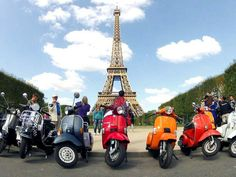 Vespa parade Paris 2013.. #vespa #paris #vespa2paris