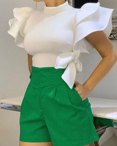 Plain Stand Collar Patchwork Ruffle Sleeve Standard Womens Blouse - Look Fashion Classy Outfits, Chic Outfits, Girly Outfits, Baggy Pants, Elegantes Outfit, Look Fashion, Fashion Design, Fashion Trends, Classy Fashion