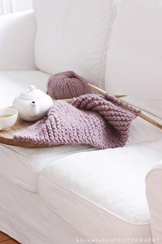via Blickwinkel.com [lilac yarn]