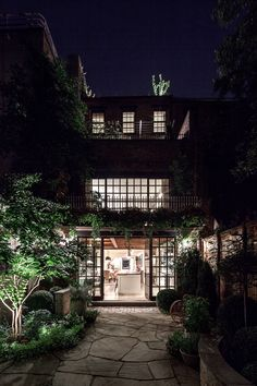 My New York townhouse spree has not stopped. This West Village home that was completed a few ye. West Village, New York Townhouse, Townhouse Garden, Architecture Art Design, Architect Design, House Architecture, Style Asiatique, Avantgarde, Greenwich Village