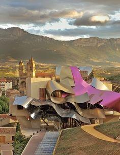""""""" Hotel Marqués de Riscal """" ubicado en Elciego, La Rioja ( España ) Frank Ghery"""