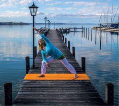 Yoga der Energie ist eine Form des klassischen Hatha-Yoga, angepasst an die Bedürfnisse westlicher Menschen. So ist Yoga für jeden Menschen, unabhängig von Alter und Beweglichkeit, geeignet. Achtsames und individuelles Üben ist eine Qualität dieses Yogastils.  Yoga der Energie führt uns zurück zur besseren Wahrnehmung unseres Körpers, zur Stabilität, in die Balance und erfüllt unser Bedürfnis nach mehr Energie und Lebensfreude. Post Hotel, Hatha Yoga, Alter, Form, Perception, Joie De Vivre, Classic, People