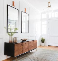 Entryway-Hall Interior Design with Home Decor Accessories. Photography: Tessa Neustadt Entryway-Hall Interior Design with Home Decor Accessories. Decoration Hall, Entryway Decor, Entryway Ideas, Modern Entryway, Entryway Lighting, Entry Foyer, Front Entry, Entryway Cabinet, Small Entrance
