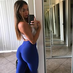 "10.7 mil Me gusta, 107 comentarios - Bruna Rangel Lima (@xoobruna) en Instagram: ""Saturday morning glute pump You won't get the butt you want by sitting on it! #goworkout…"""