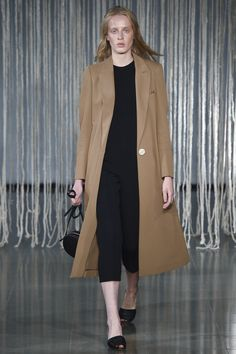 See the complete Barbara Casasola Spring 2016 Ready-to-Wear collection.