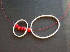 Tass Joies - Minimalist pendant, with a little red