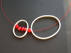 Tass Joies - Minimalist pendant, with a little red