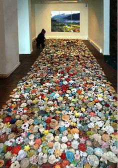 4000 Ceramic Flowers Morph into Different Patterns - My Modern Metropolis