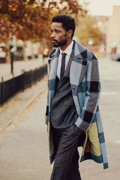 """marsthecreative: """" LaKeith Stanfield, Darius of Donald Glover's Atlanta, for The Cut by David Urbanke Styling by Diana Tsui; Grooming by Jillian Halouska; Man Street Style, Streetwear, Style Masculin, Donald Glover, Style Outfits, Men's Fashion, Fashion Blogs, Fashion Vintage, Winter Fashion"""