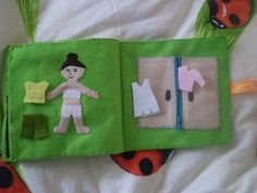 Triinu tuhat toimetust: tegelusraamat/ quiet book: dressing page + wardrobe