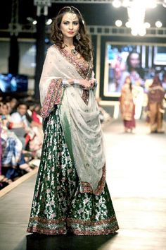Fahad Hussayn presents bridal collection at bridal couture week Pakistani Clothes Online, Pakistani Outfits, Indian Outfits, Pakistani Bridal Couture, Indian Bridal, Bride Indian, Indian Wear, Ethnic Fashion, Asian Fashion