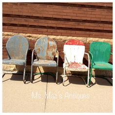 Metal Lawn Chairs for your home or cabin - I ADORE these! So hard to find. Lawn Furniture, Metal Furniture, Industrial Furniture, Outdoor Furniture, Outdoor Decor, Painted Metal Chairs, Metal Lawn Chairs, King Chair, Tulip Chair