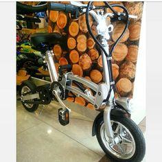 Lo nuevo que tenemos para ti Bicicleta Electrica - con luz frontal - Monoshock - Dos Aceleraciones por pedal y manual - batería retráctil - Plegable con amortiguación y muchas cosas más ven y VISITANOS! Sólo #GlobalOption lo tiene para ti y al mejor preció. Ubicados en: -C.C. SantaFe Local:4144 Tel: 3214862 WhatsAap: 3103868555 -C.C. Monterrey Local:135 Tel: 2688792 WhatsAap: 3044904449 #RedesSociales @GoGlobalOption (Twitter- Snatchap- Tumblr-Pinteres) FACEBOOK: Encuentralo Todo…