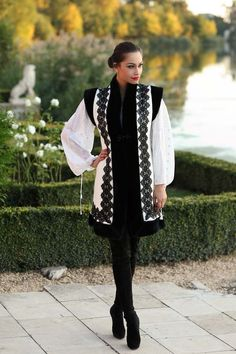 R's corner — sanziene: Fashion inspired by traditional. Folk Fashion, Ethnic Fashion, European Fashion, Diy Fashion, Winter Fashion, Fashion Outfits, Womens Fashion, Modest Fashion Hijab, Embroidered Clothes