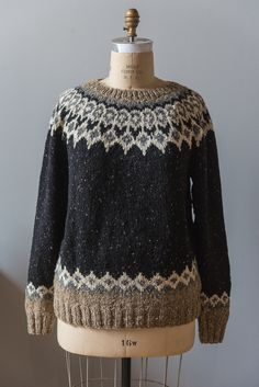 Sans bottom colourwork for T. The Arranmore Collection: Alternate Colorways Hand Knitted Sweaters, Sweater Knitting Patterns, Knit Patterns, Knit Stranded, Crochet Men, Nordic Sweater, Icelandic Sweaters, Vest Pattern, Fair Isle Knitting