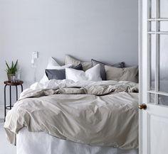 makuuhuone,valkoinen,harmaa,tyyny,pussilakana