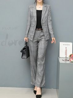 Classy Work Outfits, Warm Outfits, Office Outfits, Dress Outfits, Office Uniform For Women, Women's Corporate Wear, Suits For Women, Clothes For Women, Look Formal