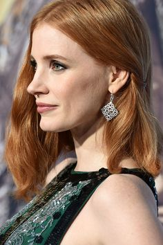 angled bob haircut pictures the huntsman winter s war 2016 chastain 4328