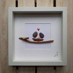 Familie - geben Ihre Familie oder Freunde eine wirklich besondere und persönliche Geschenk, die sie sicherlich bekommen wird nicht von jemand anderes. Robins, einen Kreis der Familie darstellt. ✿ Handarbeit Kiesel Bilder aus South Devon, UK ✿ Kommt mit schwarzem oder weißem Rahmen