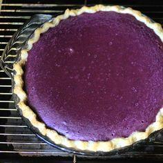 Purple Sweet Potato Pie || I don't like sweet potatoes, but purple pie would be awesome!