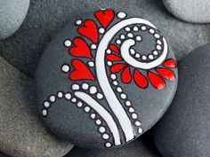 99 DIY Ideas Of Painted Rocks With Inspirational Picture And Words (29) - 99Architecture