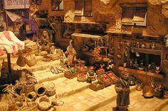 lasmanosdepaula Christmas Village Display, Christmas Nativity Scene, Christmas Carol, Nativity House, Egypt Concept Art, Journey To Bethlehem, Fontanini Nativity, Medieval Market, Stage Design