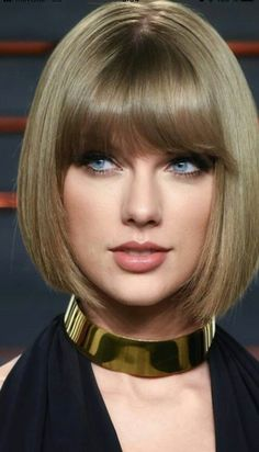 Taylor Swift is so pretty she is my inspiration for my looks Taylor Swift Hot, Taylor Swift Style, Taylor Swift Pictures, Beautiful Celebrities, Beautiful Eyes, Beautiful Women, Woman Face, Pretty Face, Short Hair Styles