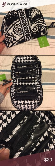 NWT Vera Bradley travel jewelry organizer Midnight Paisley, NWT, carry handles, ring bar, 4 zippered pockets, 2 pouch pockets Vera Bradley Bags Travel Bags