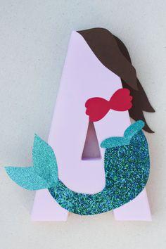 ¿Buscando una sirenita única o en la decoración de la fiesta de mar? Este adorable centro de mesa de Ariel es el ojo que se destacan la mesa de