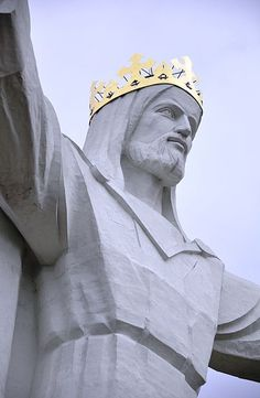 Statue of Christ the King in Poland by Wistula (Own work) GFDL (http://www.gnu.org/copyleft/fdl.html) or CC-BY-3.0 (http://creativecommons.org/licenses/by/3.0)