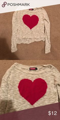 heart sweater worn once' not wanted anymore. perfect condition and not too heavy. Perfect for fall! not forever bought ar marshalls Forever 21 Sweaters Crew & Scoop Necks