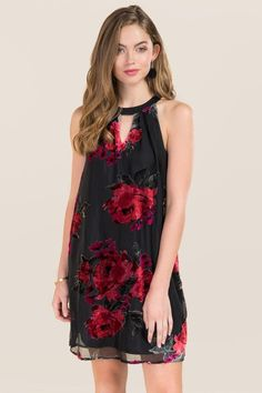 The Careen Floral Burnout Velvet Dress features a high neck keyhole which is an update to the sleeveless shift dress. Stylish Dresses, Casual Dresses, Floral Dresses, Mini Dress With Sleeves, Buy Dress, Evening Dresses, Shift Dresses, Dress To Impress, Velvet