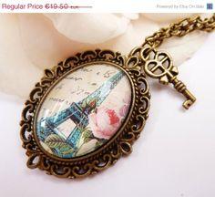 Edle Halskette mit schönem Eiffelturm Motiv Paris von Schmucktruhe, €17.55