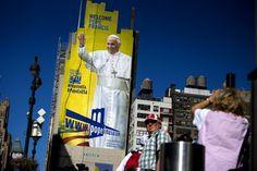 Папа римский Франциск решил отправиться вБедфорд-Стайвесант, чтобы посетить службу вприкольной церкви, окоторой ему рассказывали друзья. Когда…