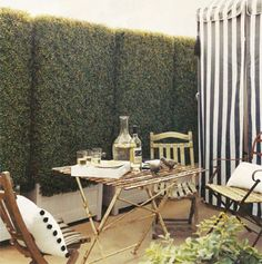 outdoor dining- love this look!